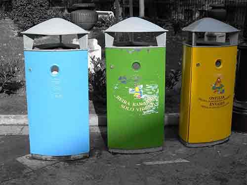 Quelle est la différence entre les déchets organiques et les déchets inorganiques?