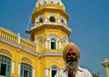 Quelle est la difference entre Islam et Sikhism