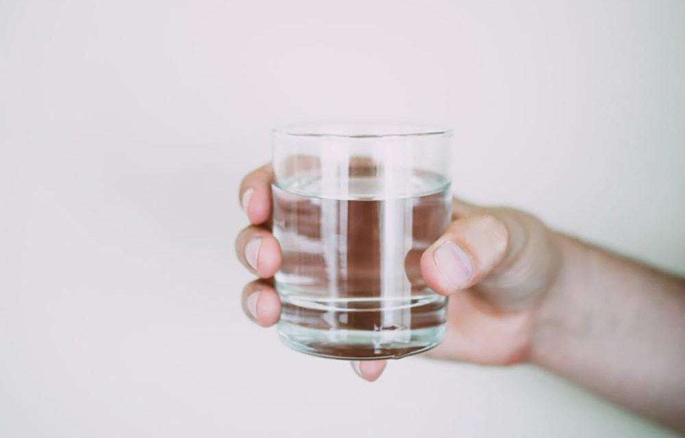 Quelle est la différence entre l'eau distillée et l'eau purifiée